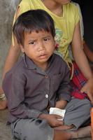 プノンペン・ゴミ山の麓で暮らす子供